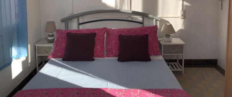Chambre avec lit double (en 140)
