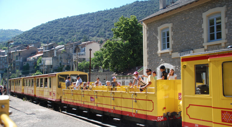 The yellow train at Olette train station