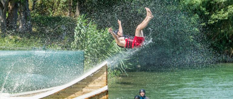 Water jump au plan d'eau de St Jean Pla de Corts
