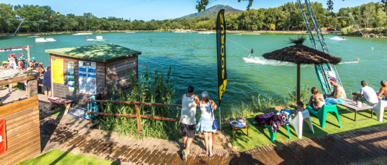 Wakeboard au plan d'eau de St Jean Pla de Corts