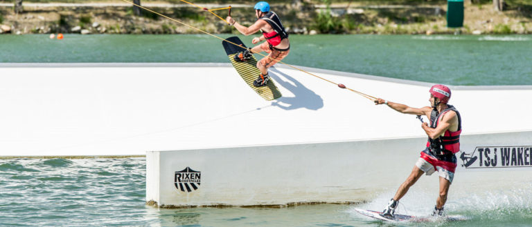 Wakeboard at the lake St Jean Pla de Corts